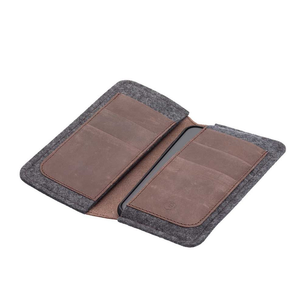 g.5 iPhone X Wallet in earth