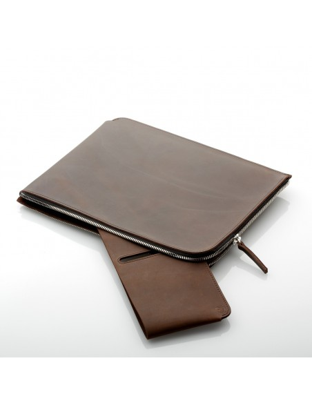 """ZIP 11"""" iPad Pro Hülle in camel, schwarz und dunkelbraun"""