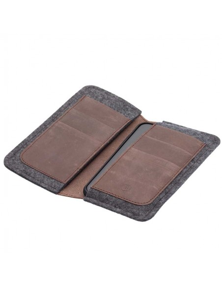 g.5 iPhone XI Wallet in earth, night, vintage, stone