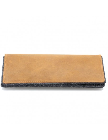 g.5 iPhone 11 leather folio in black, dark brown, camel and grey
