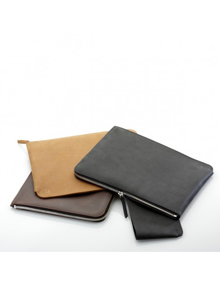 ZIP 10.9-inch iPad Air leather bag in black, braown and camel