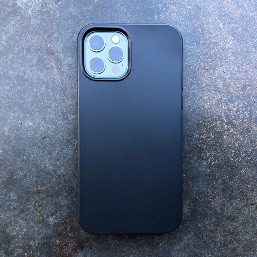 iPhone 13 Pro Max Bio Case in black color compostable, vegan, plastic-free - for a better tomorrow.